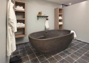Badkamer Vrijstaand Bad : Solid surface vrijstaand bad nibiz een sculptuur in je badkamer