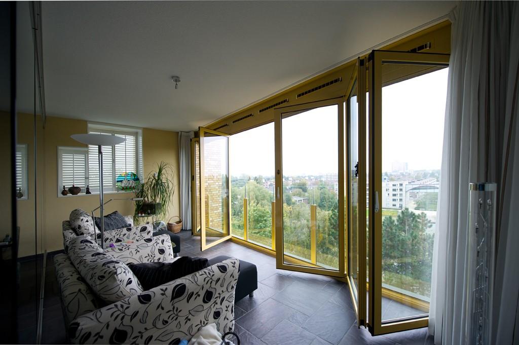 Interieurtips Kleine Woonkamer : Interieurtips om uw huis ruimer te laten lijken