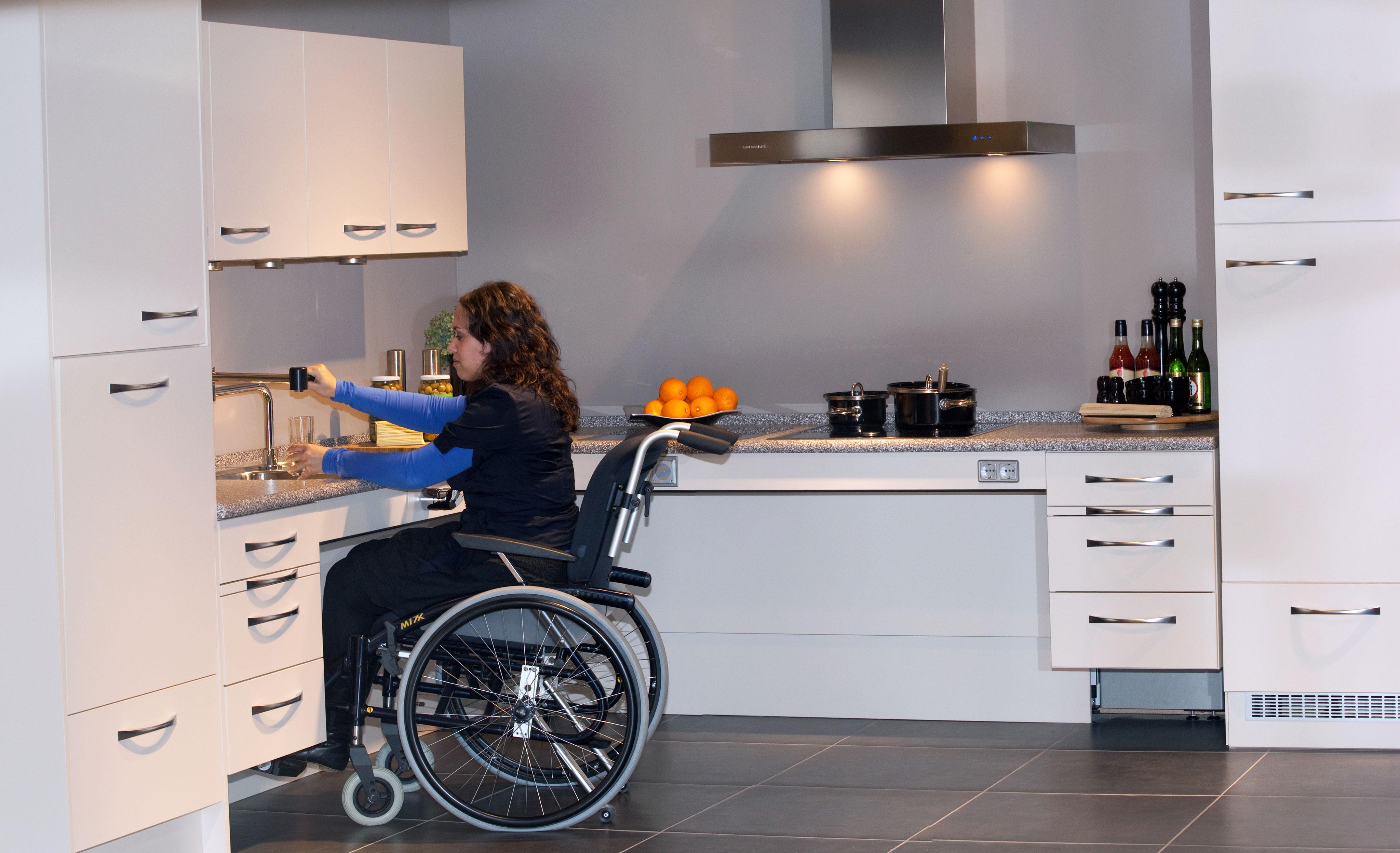 Ergoline keukens voor mensen met een beperking - Voorlichtingsburo ...