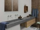 Thuis de luxe van een hotelbadkamer