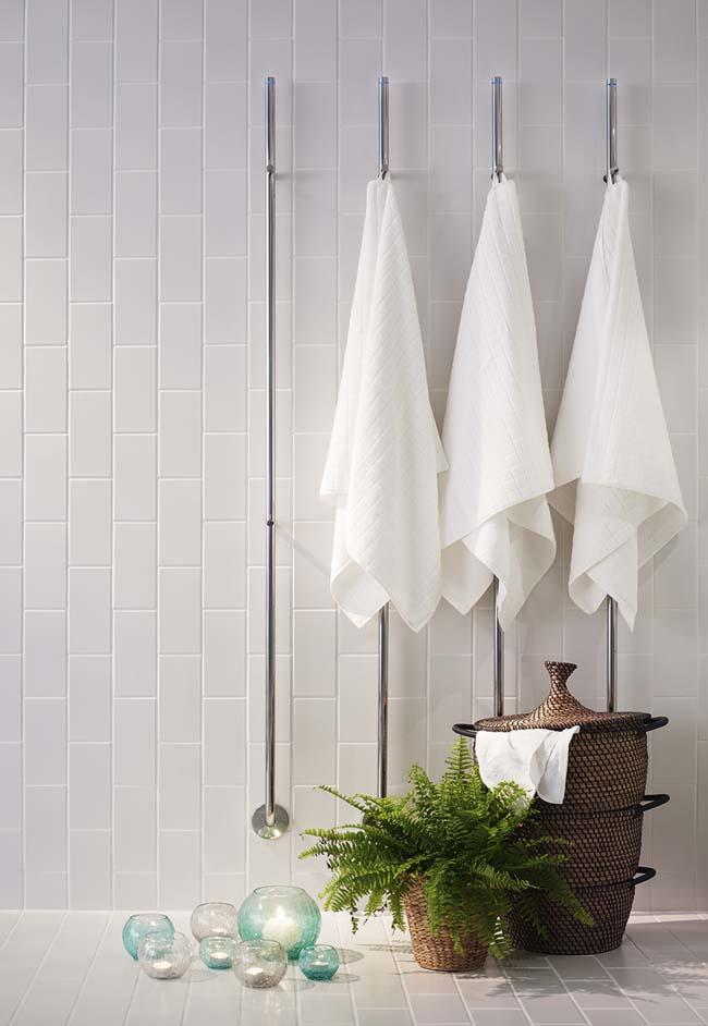 warme handdoek na het douchen