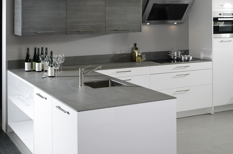 bijpassende rugwand maakt keuken compleet voorlichtingsburo wonen. Black Bedroom Furniture Sets. Home Design Ideas