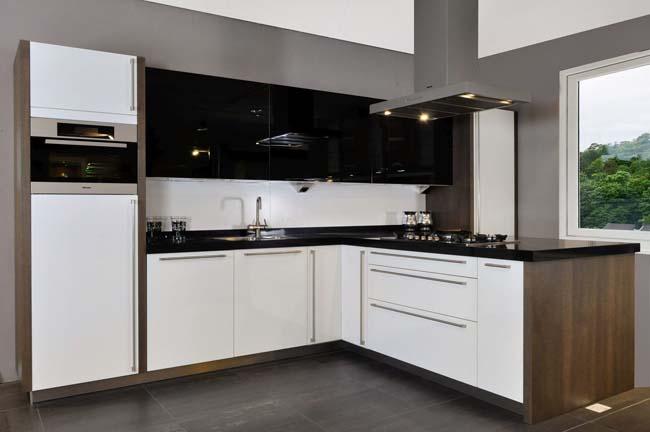 Nieuwe keuken uit de showroom in jouw huis