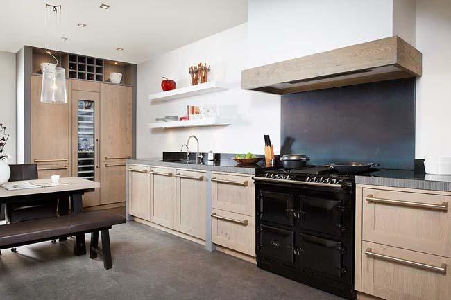 Nieuwe keuken voor de kleine beurs voorlichtingsburo wonen