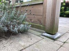 Het gebruik van betonpoeren bij een terrasoverkapping